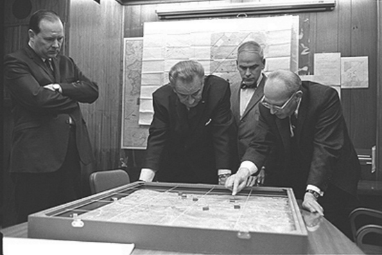 lyndon_johnson_situation_room19680216