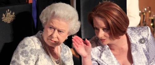 la Regina Elisabetta II e il primo ministro dell'Australia, Julia Gillard